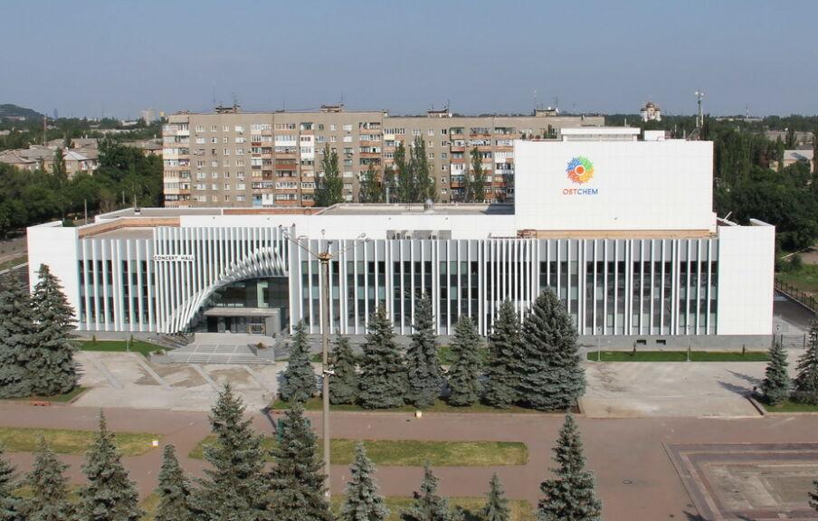 Изготовление и монтаж элементов центрального фасада
